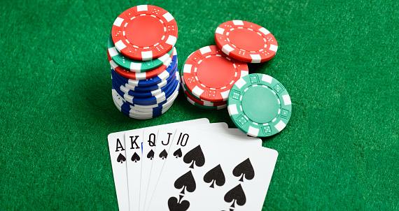 M Casino vert